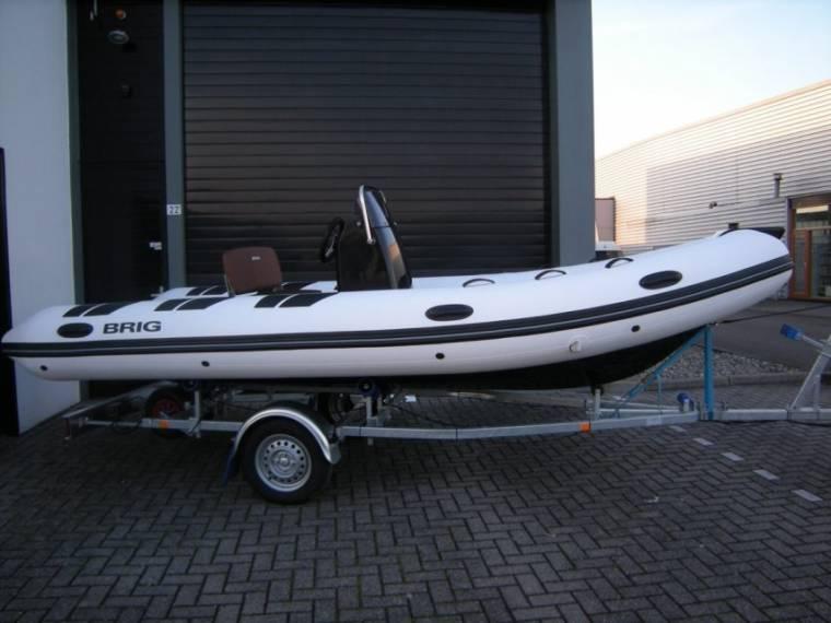 Brig Falcon 500 de Luxe