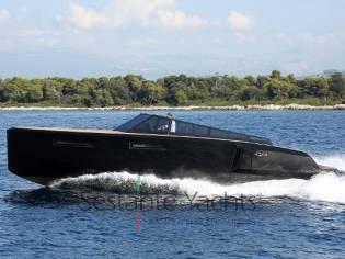 Evo Yachts Evo R4