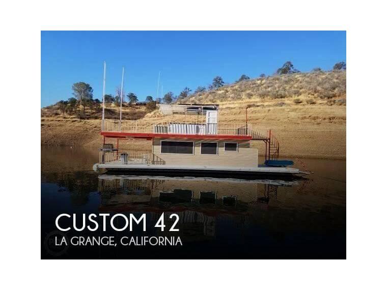 42 Houseboat