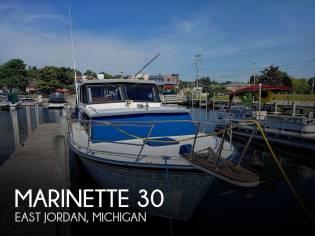 Marinette 29 Sedan