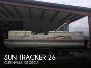 Sun Tracker 25 Party Barge
