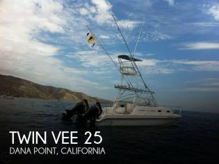 Twin Vee 26 Express Catamaran