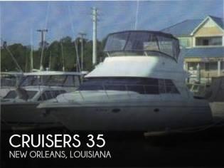 Cruisers Yachts 3585 Flybridge Motoryacht 35