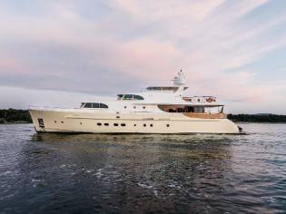 Custom 33m Cyrus Yachts