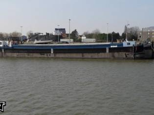 Spits Woonschip / Houseboat