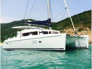 Lagoon 420 Sailing Yacht