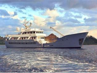 Custom Expedition Luxury LRC Yacht
