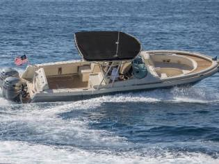 Chris-Craft Calypso 30