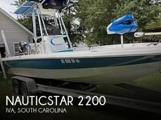 NauticStar 2200