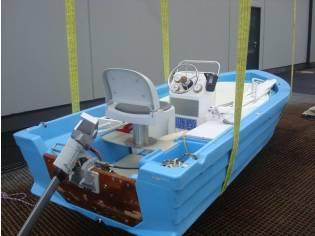 Unbekannt unbekannt Motorboot