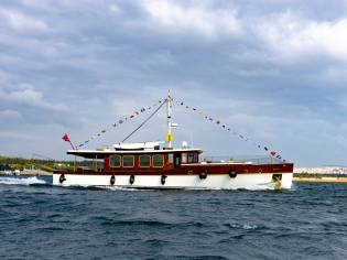 Classic Taka Motor Yacht