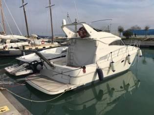 Cantieri Navali di Livorno Space 360 Fly