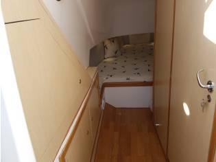 Oromarine 999 cabin
