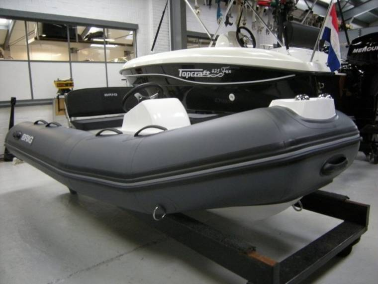 Brig Falcon 330 Tender