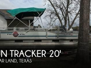 Sun Tracker Fishin Barge 21