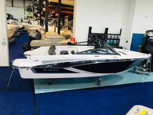 Glastron boats  GT 180 Bowrider