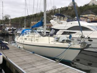 Contest Yachts 35