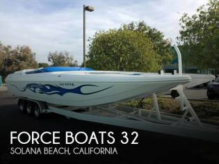 Force Boats 32