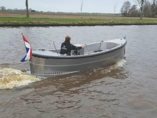 Van Vossen Sloep 550