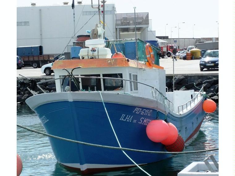 pesca profissional com liçença de pesca