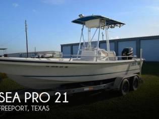 Sea Pro V2100 CC Bay Series