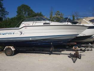 Bayliner trophy 2352