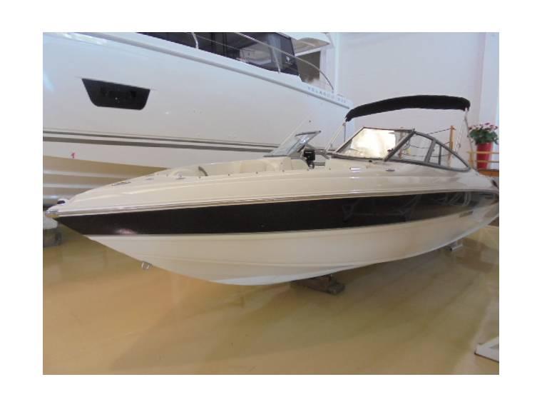 ray 225LR Sport Boat