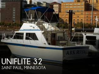 Uniflite 32 Sedan Bridge