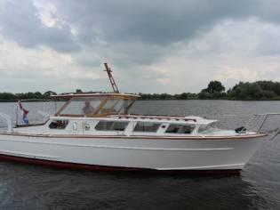 Motor Yacht Polyflash 915