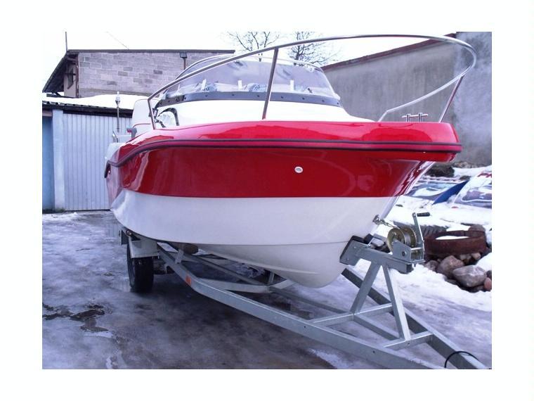 Cabine en czestochowa barcos a motor de ocasi n 54696 for Cabine del fiume bandera
