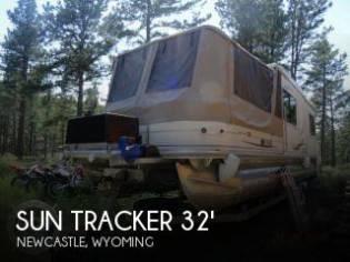 Sun Tracker 32 Custom Party Cruiser