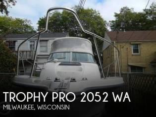 Trophy Pro 2052 WA