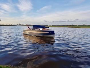 Van Vossen 670 Sport Tender