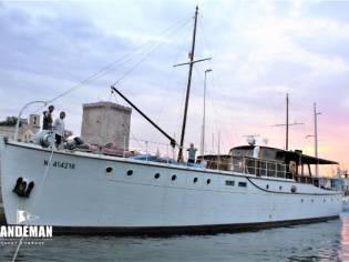 Silver J Bain Twin Screw Motor Yacht