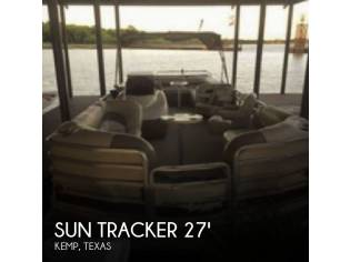 Sun Tracker 27 Party Barge
