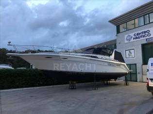Sea Ray 355 Express Cruiser
