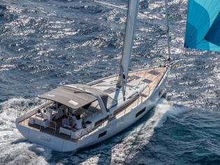 Beneteau Oceanis Yacht 54