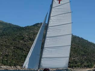 Catamaran Prindle 16 con remolque