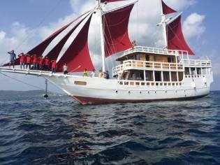 Custom Sailing Phinisi