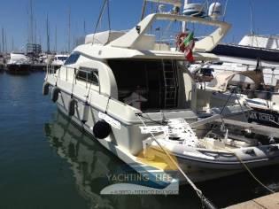 Ferretti Yachts 150