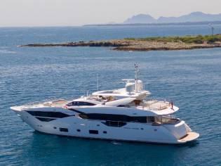 Sunseeker 116 Yacht
