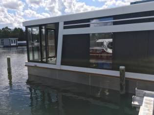 Houseboat Green Cat 1200