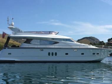 Elegance Yachts 64