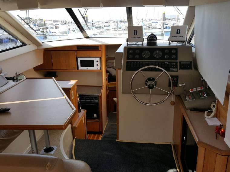 Bayliner 3388 en a coru a barcos de pesca paseo de for Cosas de segunda mano en coruna