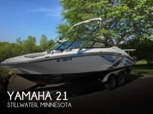 Yamaha 212X