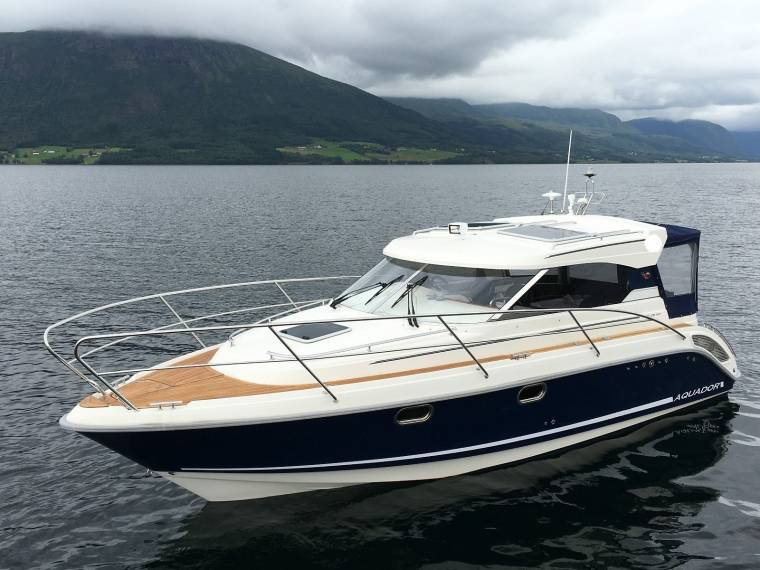 Aquador  Cabin Cruiser
