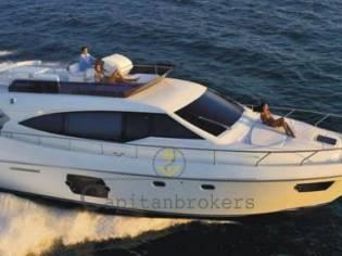 Ferretti Yachts 530