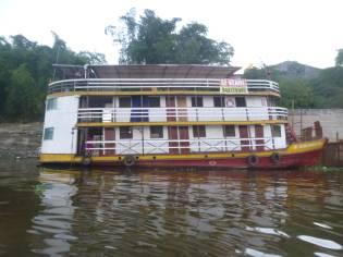 barco tipo brasileno de amazona
