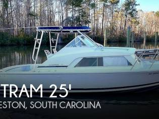 Bertram 25' Cabin Cruiser