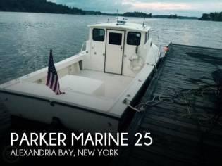 Parker Marine 25 Sport Cabin